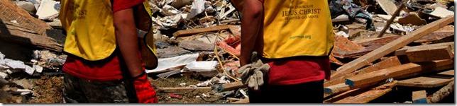 Helping-Hands-after-Arkansas-Tornado